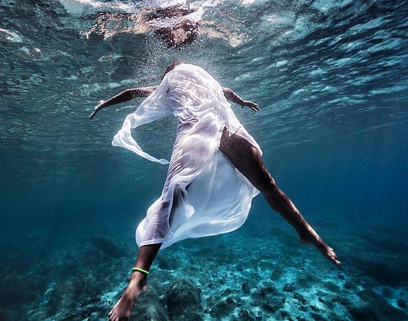 tanzend im Meer